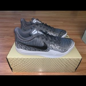 New Nike Kobe Black Grey Mens 7-13 Basketball Shoe